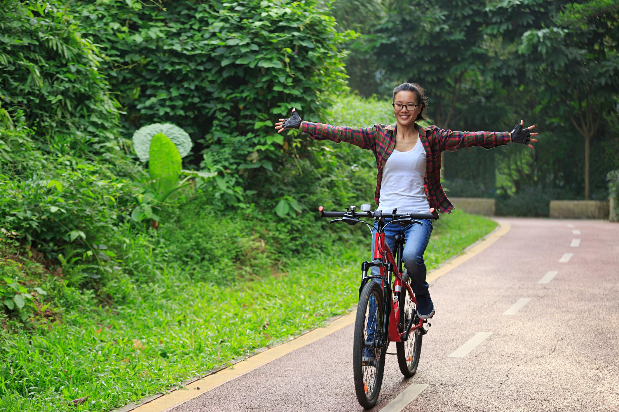 Bicyclist  having fun 868482084
